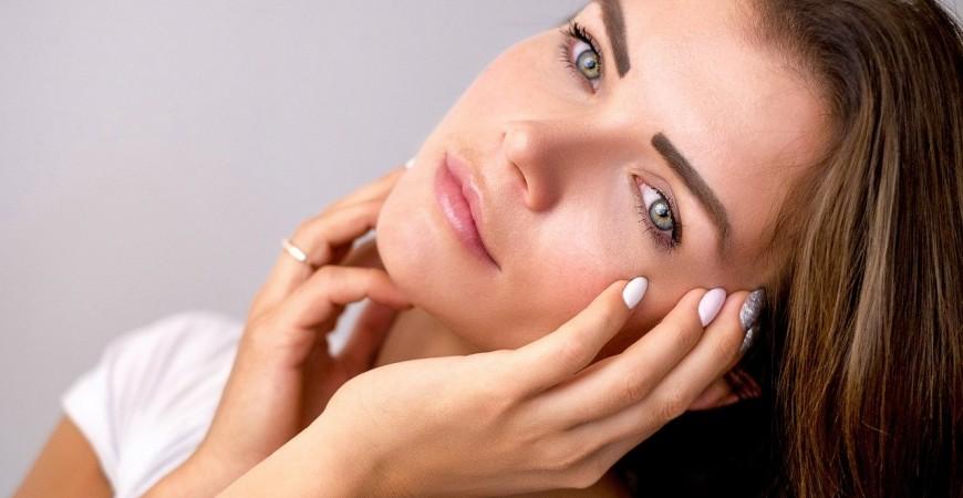 3 beneficios del ácido hialurónico en el rostro: ¿Por qué incorporarlo en tu rutina de belleza?